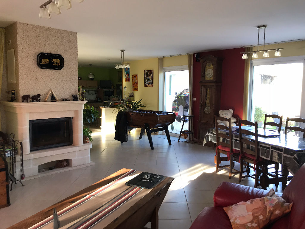 Bungalow with Garage in St Jean D'Angely