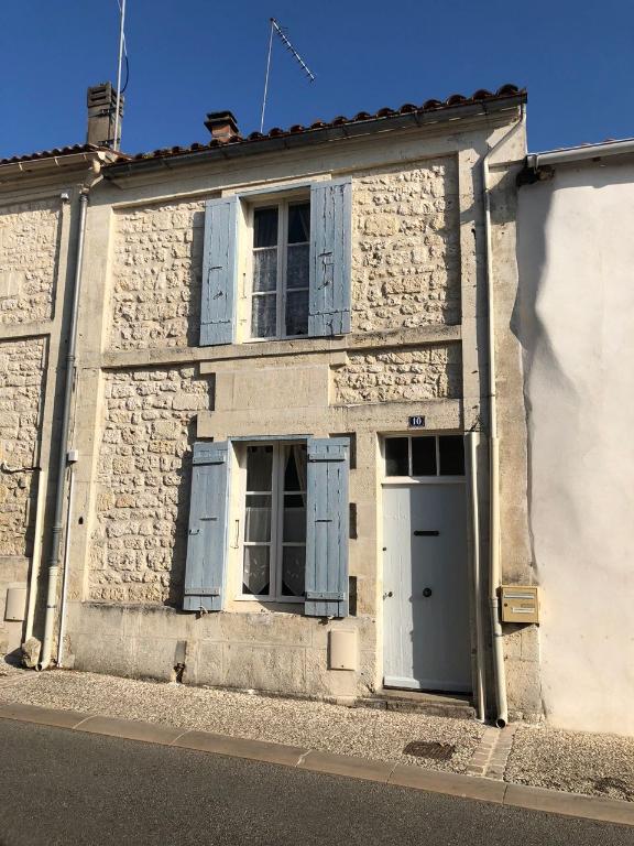 Maison à  St Savinien Sur Charente
