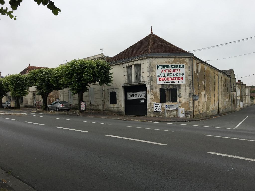 Maison Saint Jean D Angely 1800 m2