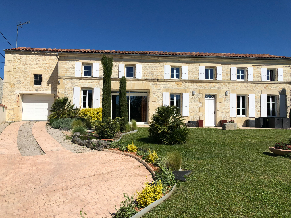 Excellent Charentaise house