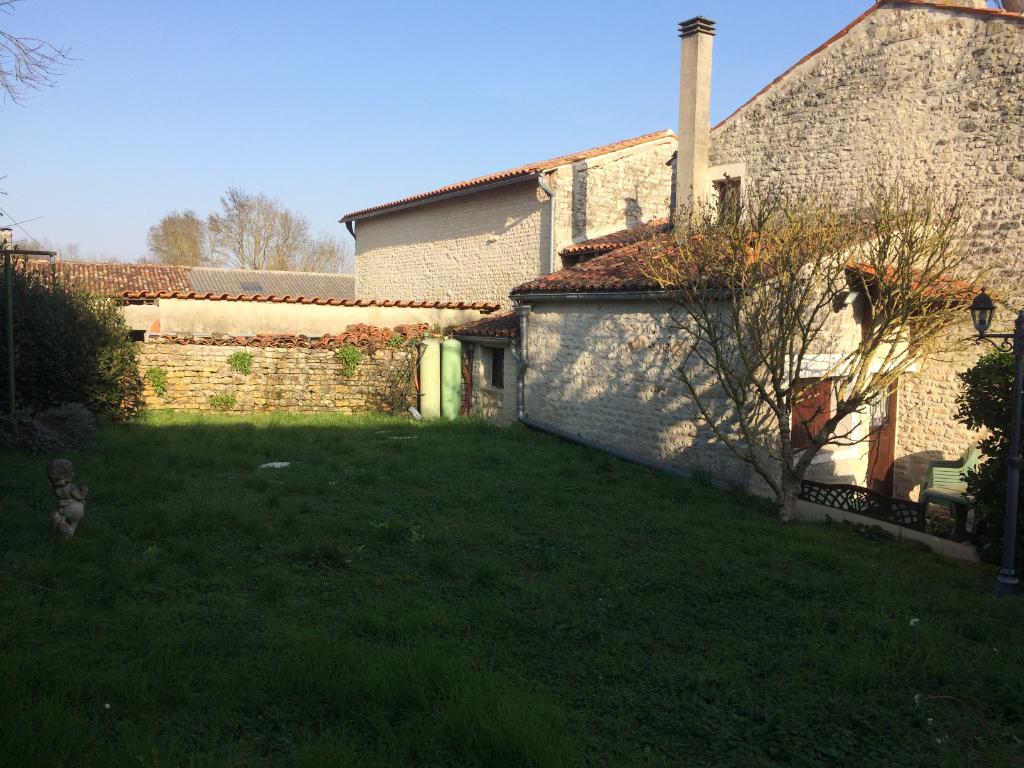 Maison 5 pièces proche St Jean d'Angély