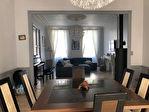 Maison Bourgeoise en Ville avec Appartement et Grand Garage