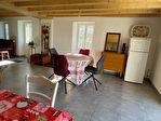 """Jolie maison style """" cottage""""  belles possibilités , dépendances et jardin"""