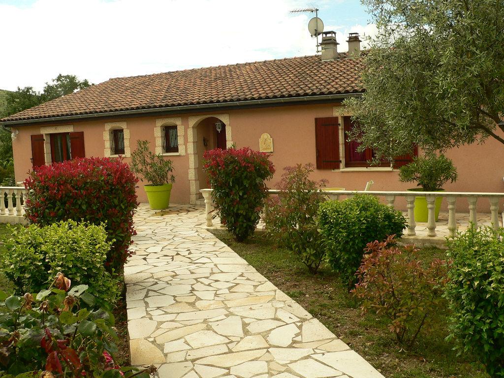 Villa prestigieuse Sud Aubenas avec piscine