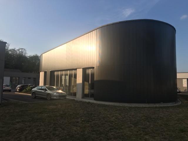 Cellule commerciale de 139.89 m² avec visibilité immédiate depuis l'axe principal  de Hochstatt