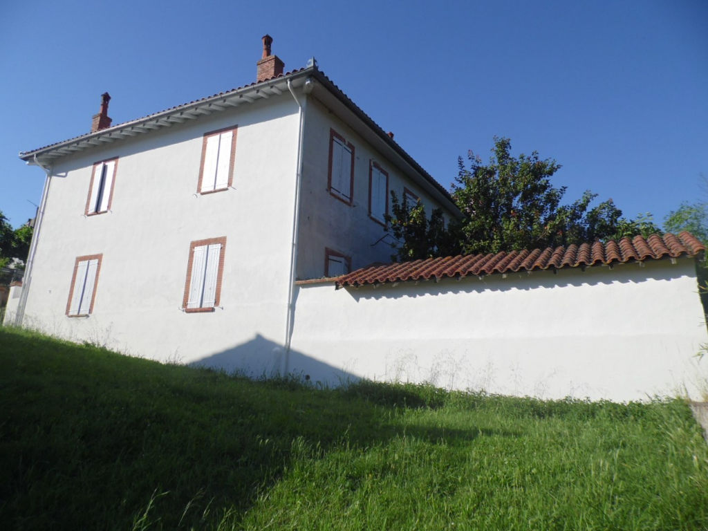 CINTEGABELLE-Maison 4 pièce(s) 200 m2