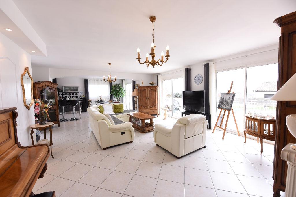 CINTEGABELLE-Maison 6 pièces 147 m²