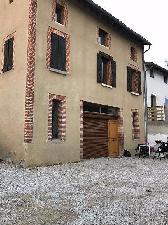 VILLEFRANCHE DE LAURAGAIS Immeuble 8 pièce(s) 240 m2