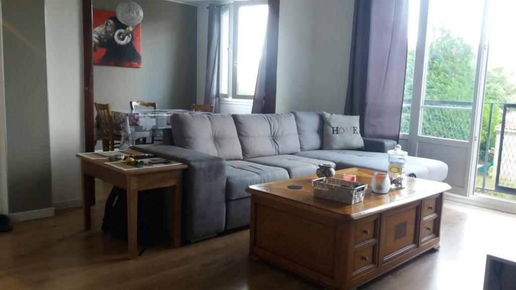Très bel appartement entièrement rénové de 70 m2 proche toutes commoditées