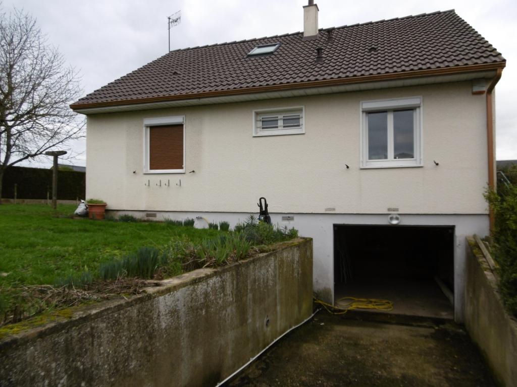 Maison Gournay En Bray 5 pièce(s) 100 m2 sur 680 m² de terrain proche de toutes commodités.