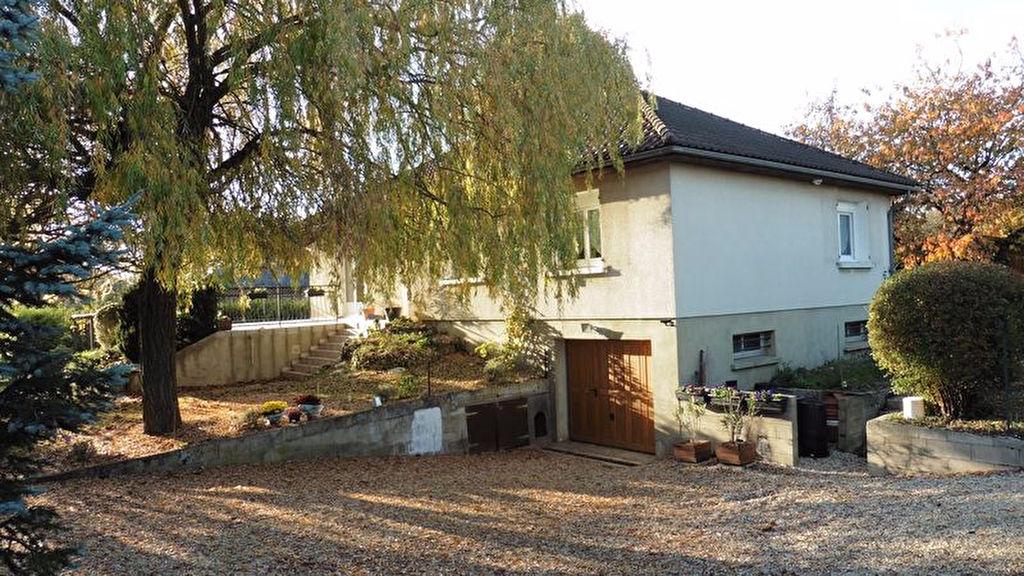 10300 Macey Pavillon Plain Pied de 97 m2 avec sous-sol de 120 m² sur 1724 m² de terrain