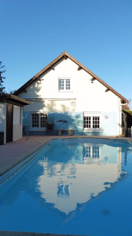 Troyes (10 000) Villa Contemporaine 185 m2 5 chambres sur 1100 m² avec piscine chauffée et 2 garages
