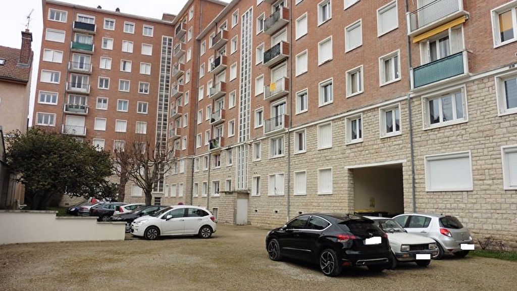 10 000 Troyes Centre Ville quartier gare Appartement T4 70 m²