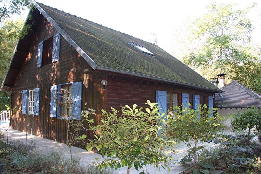 10390VERRIERES ELEVAGE CANIN POSSIBLE Maison ossature bois de 140m² en pleine narure et sans voisins sur parc arboré de7470 m² avec piscine 14x 7