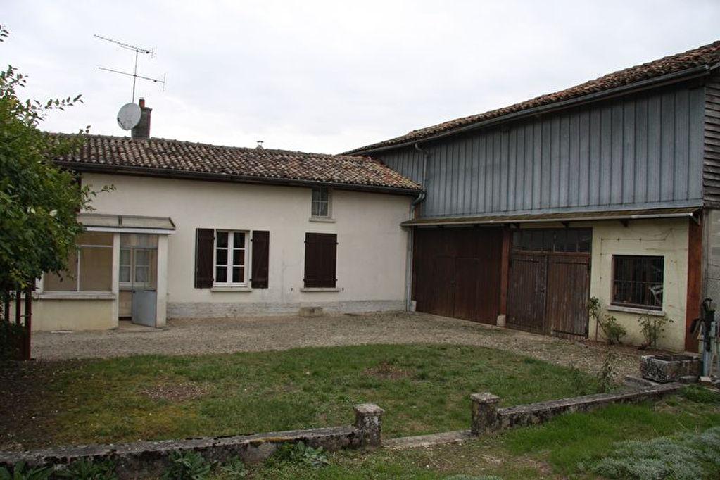 10500 A quelques minutes des lacs de la foret d Oriient maison de 80 m² sur 750 m² de terrain clos avec atelier et garage habitale en l etat