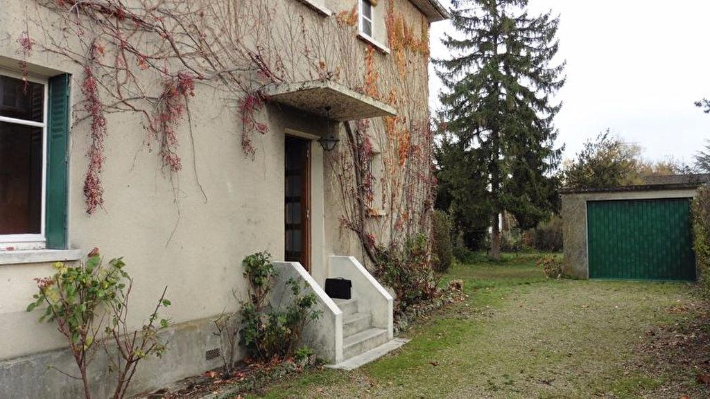 10 300 Sainte Savine Maison 8 pièces 165 m2 avec garage sur 620m² de terrain