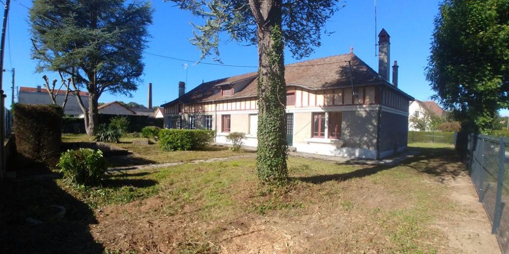 10 000 Troyes Maison Mitoyenne à rénover de 150m² sur 750m² de terrain