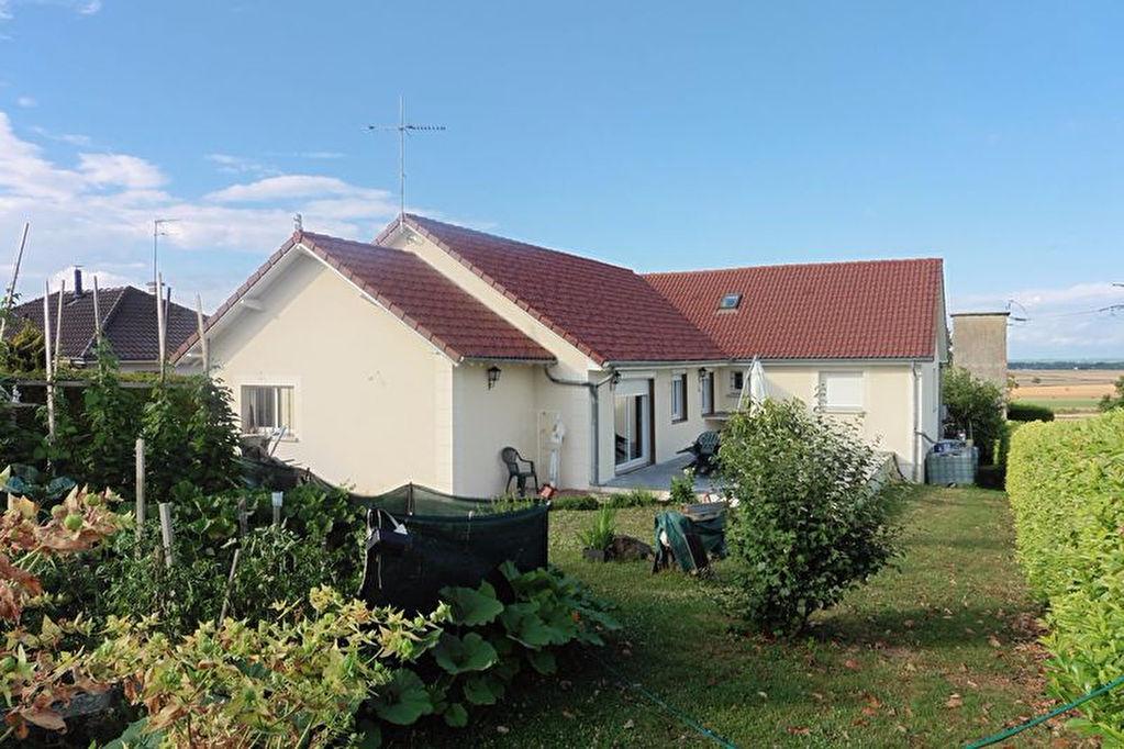 10 320 Bouilly Villa 230m² avec sous sol 110m² sur 1400m² de terrain