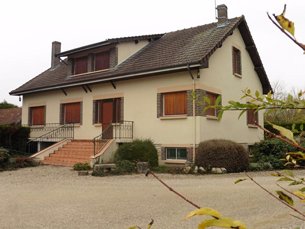 Saint Mesmin 10280 Maison 210m² sur sous sol 120m², dépendance sur 5059m² de terrain