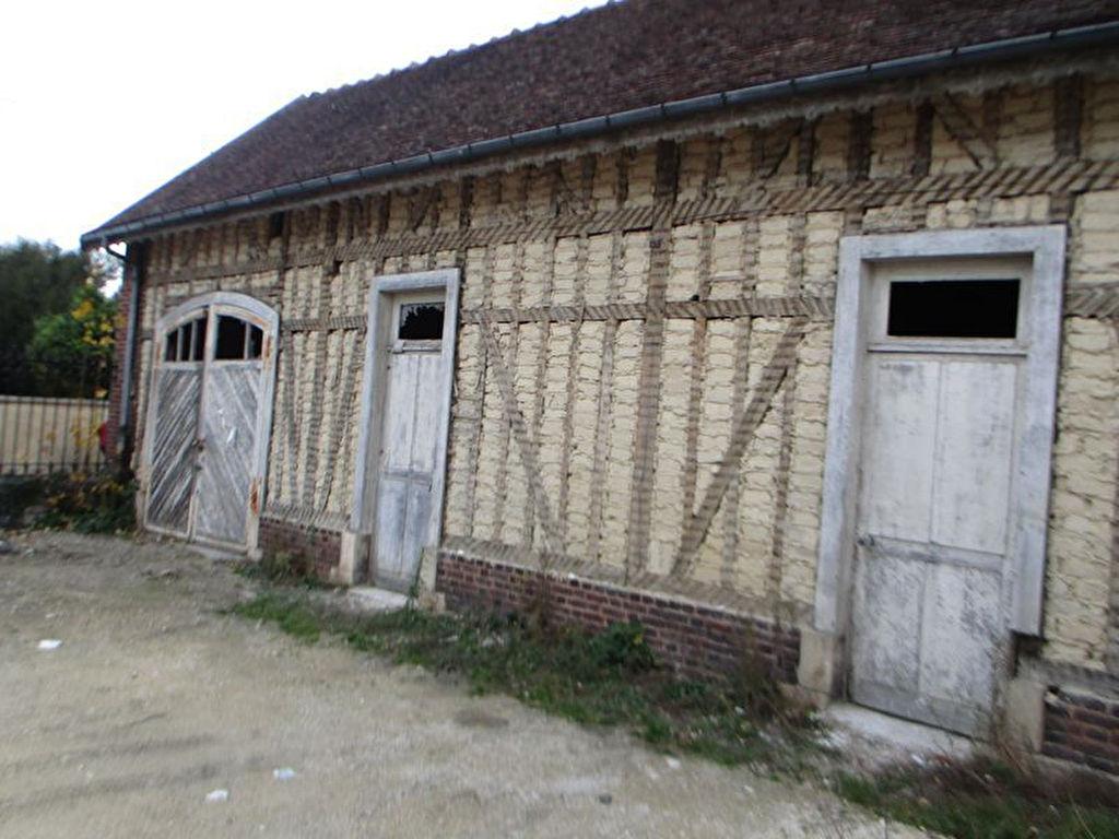 10000 TROYES  MAISON DE104 m2 SUR 2 NIVEAUX  + GARAGE ET TERRAIN DEVANT