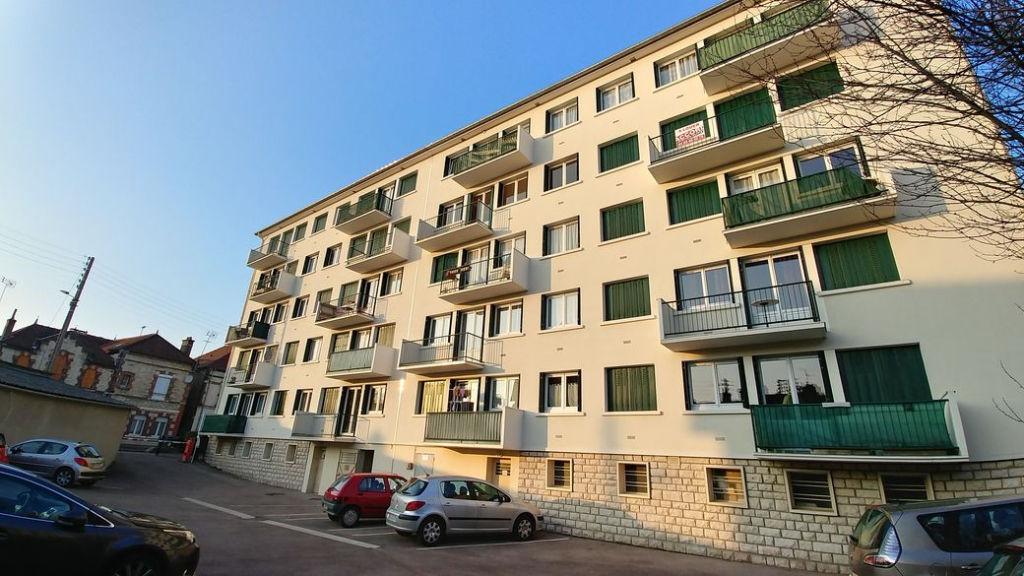 Sainte Savine (10 300)  Apt T3 67 m2 avec balcon et parking