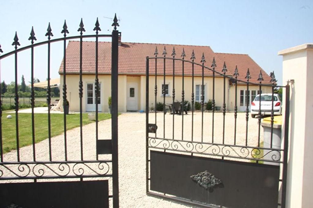 10260 COURTENOT VALLEE DE LA SEINE GRAND PAVILLON DE 2009 ETAT PARFAIT DE 158 M² SUR 839 M² CLOS 6 PIECES DE PLAIN PIEDS