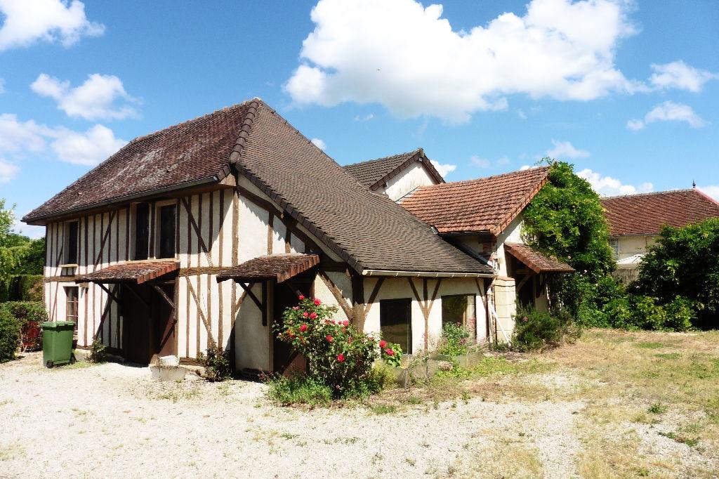 Courteranges (10 270) Corps de Ferme 2 maisons 2 bâtiments sur 1754 m² de terrain