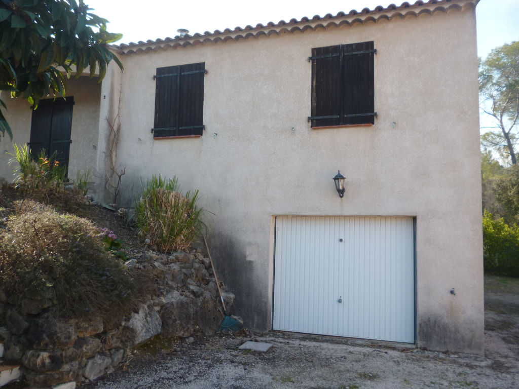 Affaire Trans quartier calme et résidentiel villa F5 90m+garage 50m 460m terrain terrasse tt à l'égout 254400€ lot 18 charge 480€/an commission vendeur Agence Idimmo 2 rue pierre clément Draguignan 06.45.92.01.76 www.draguignan.idimmo.net