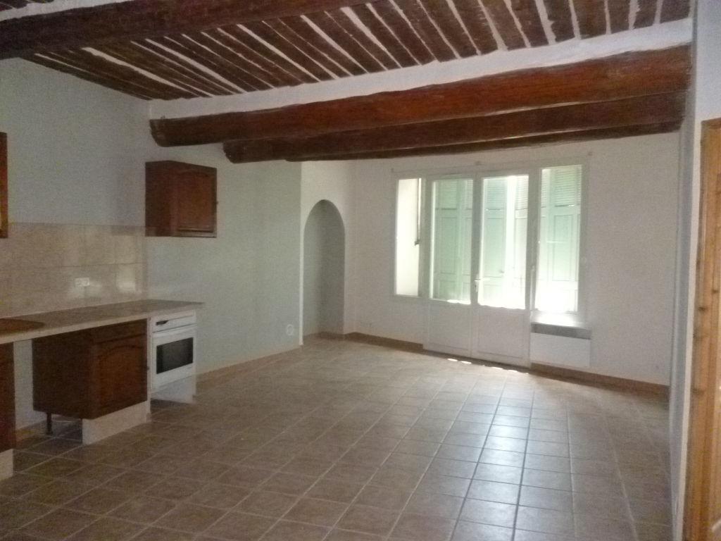 Exclusivité Draguignan centre maison F6 150m² rénovée composée de 2 appartements F3 pouvant etre regroupés balcon cave garage 80m 181900€ commission vendeur