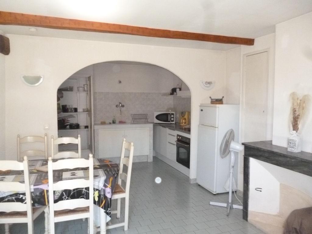 Exclusivité Draguignan centre joli F2/3 3éme et dernier étage lumineux calme 107000€ lot 8 commission 250€/an charges vendeur