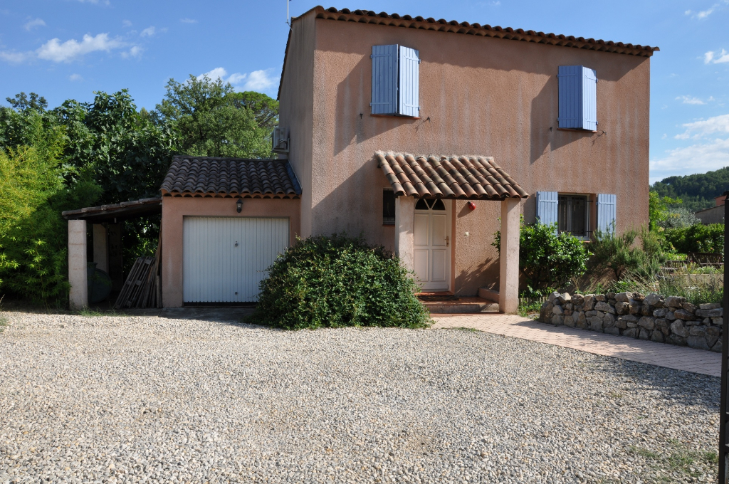 Exclusivité et affaire Draguignan quartier calme jolie villa F4 2005 sur 500m terrain tt à l'égout terrasse garage 267500euros crn1901 lot 60 300 euros/an charge commission vendeur