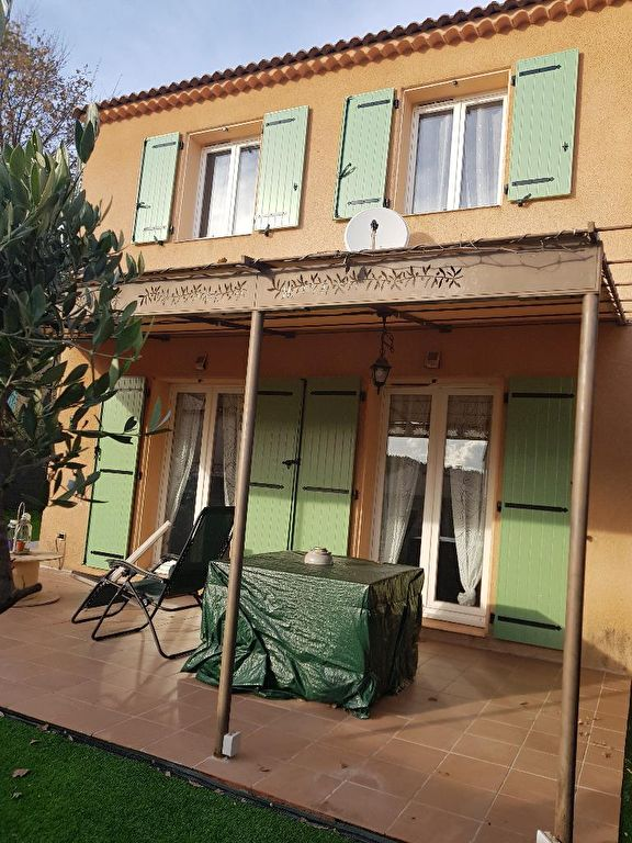 A voir Draguignan quartier calme et résidentiel jolie villa F4 2002 terrasse garage 255m terrain 291500€ crn1946 lot 26 charge 268€/an commission vendeur Agence Idimmo 2 rue pierre clément (rue du tribunal ) Draguignan 06.45.92.01.76 draguignan.idimmo.net