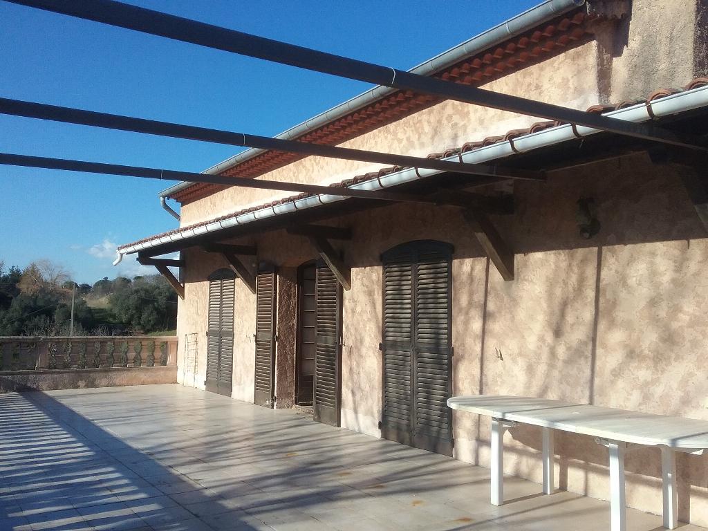 Villa  9 pièce(s) 220 m2