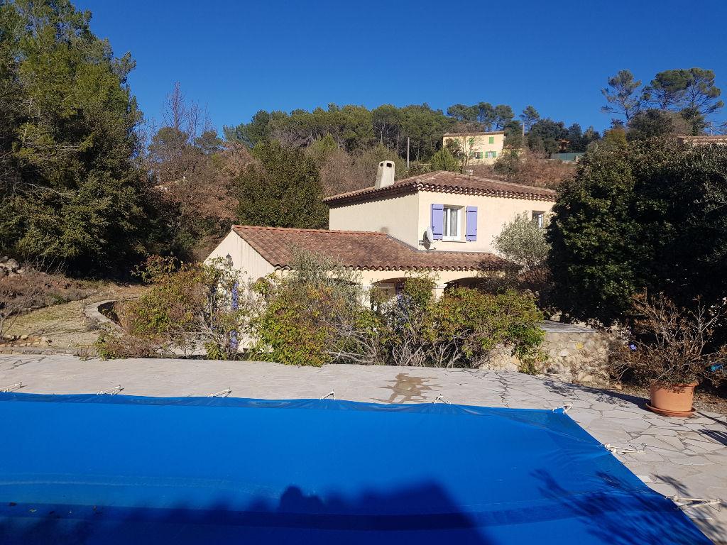 A découvrir Flayosc belle villa F5 de 2005 sur terrain de 1527m piscine terrasse garage 430500€ crn1987