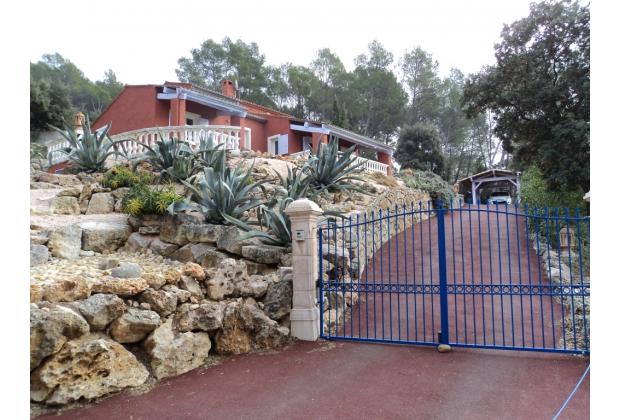 Lorgues belle Villa F6 à 1610m à seulement 6km Gare TGV 481950€
