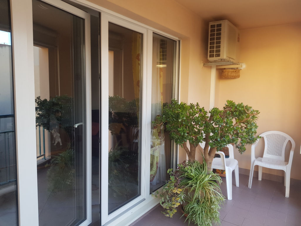 DRGUIGNAN centre bel appartement F4 terrasse parking et cave