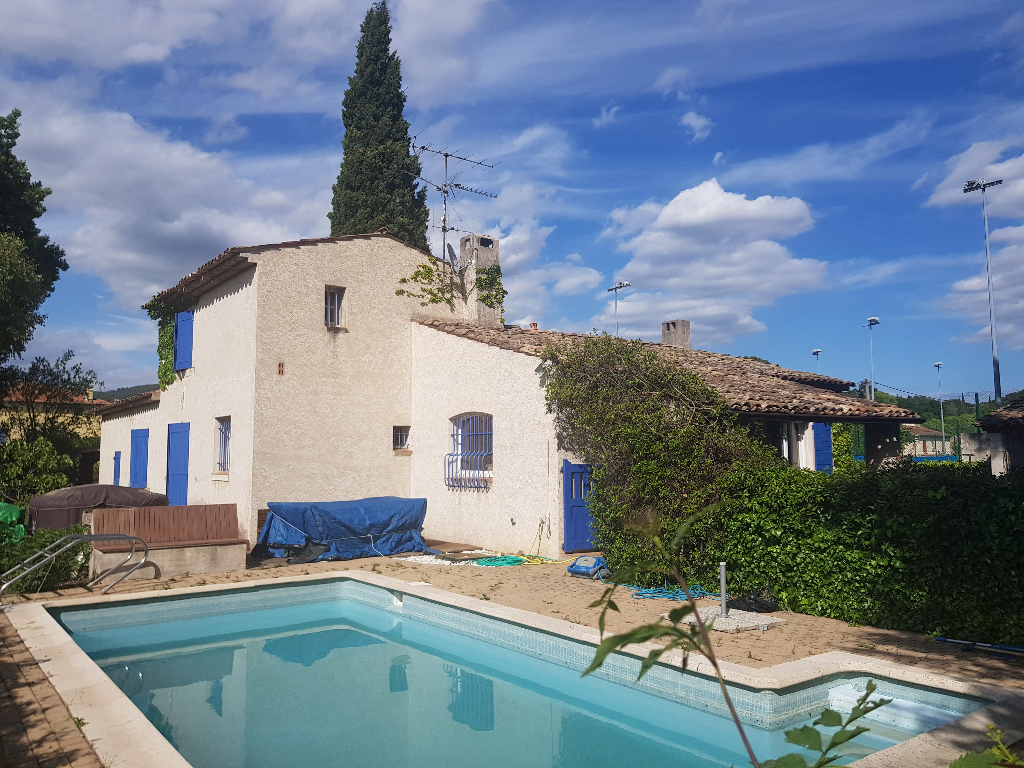 Draguignan Villa F4 100m 1080m terrasse garage piscine 325500€