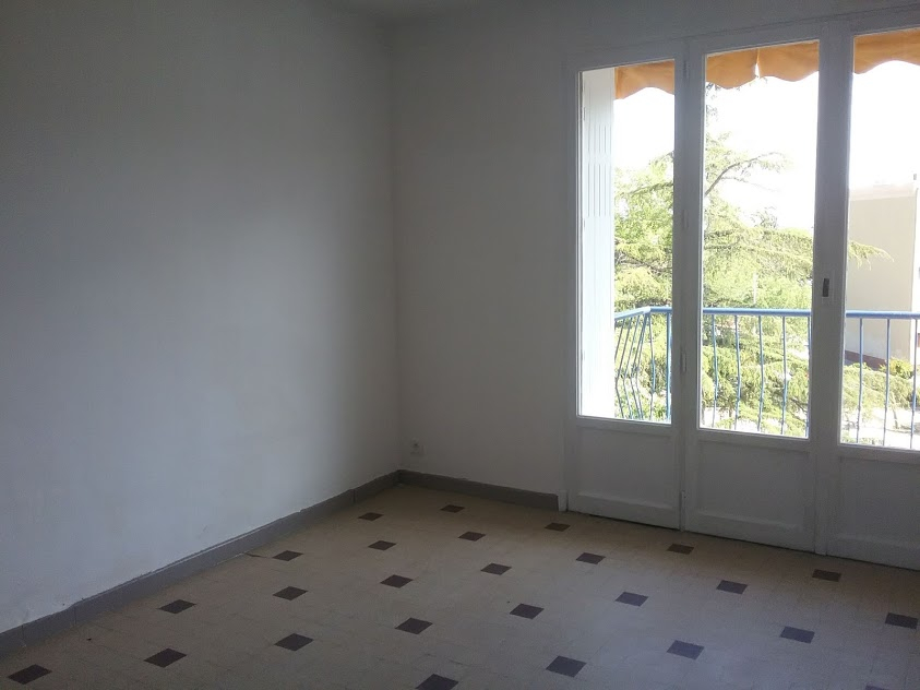 Draguignan appartement F3  61m2 avec balcon cave 95400€ crn2004