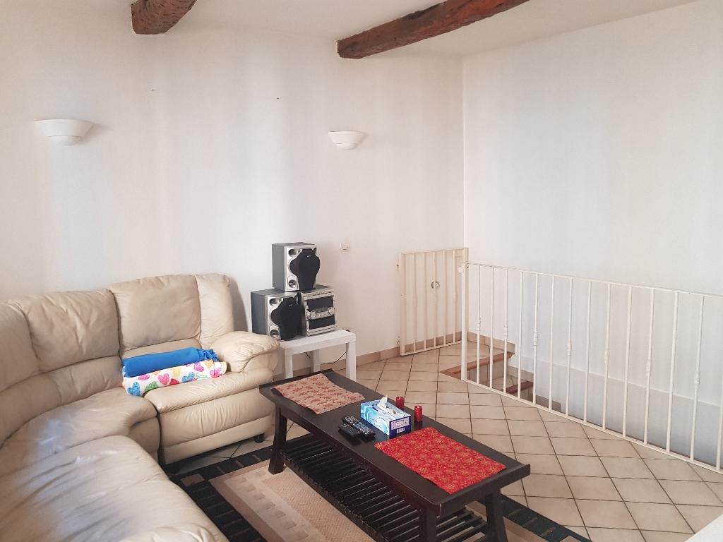 Flayosc centre charme et cachet pour ce bel appartement F2 de 50 m en duplex  97520€ Agence Iidmmo Draguignan