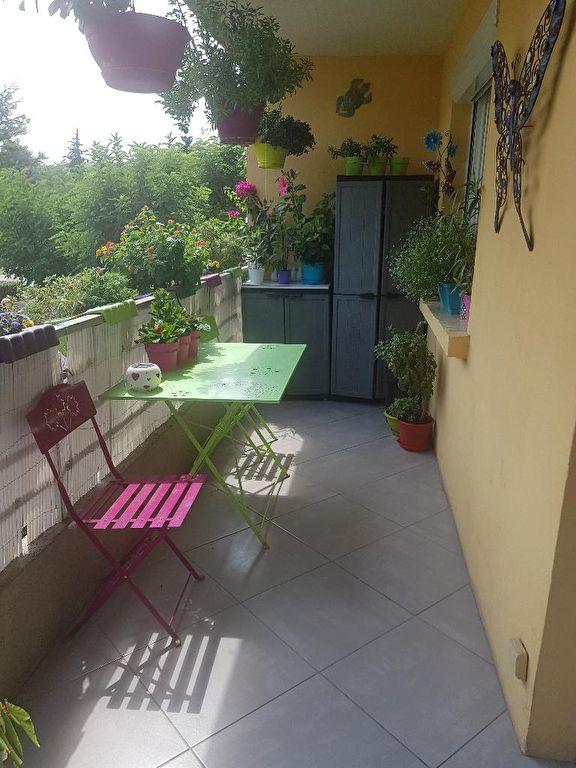 A voir Draguignan bel F4 traversant 1 étage 2 balcons cave 153700€ crn2021