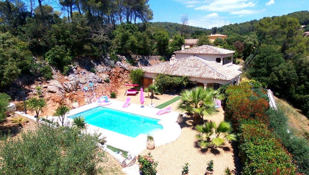 Lorgues superbe villa F4 2007 de 168m+sous sol 1800m de terrain 591550euros crn2026