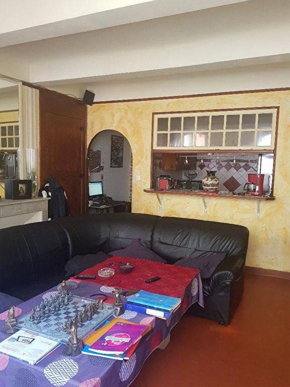 Exclusivité Draguignan centre idéal investisseur appartement F2 traversant avec balcon loué 460€/mois 74000€ crn2039 lot 5 commission vendeur 280€/an charge