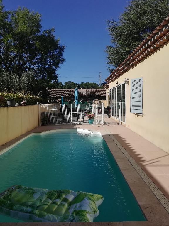 A voir Trans belle villa F5 PP 125m de 2009 sur 670m terrain en tout à l'égout terrasse piscine 315000€ crn2060 dpe c