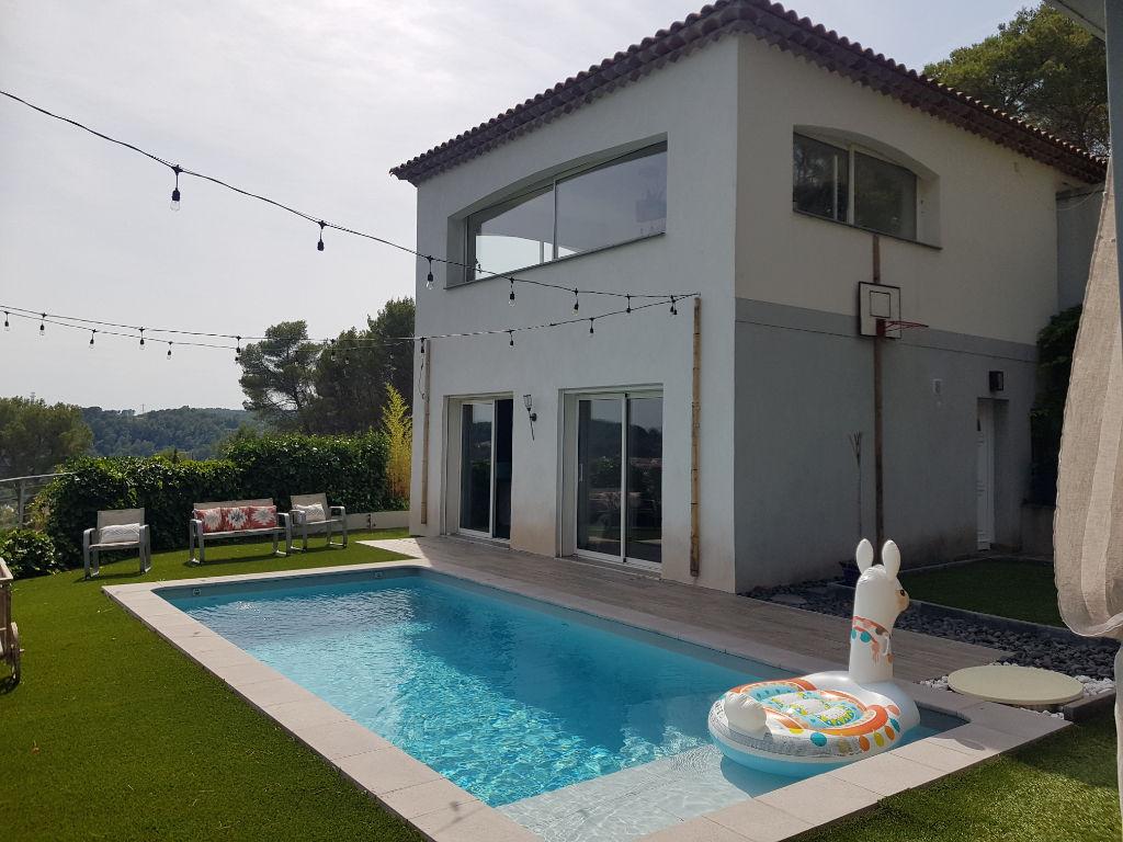 Trans belle villa F6 180m 2003 sur 1547m terrain tt à l'égout piscine gge 598000€ crn2069 dpe A