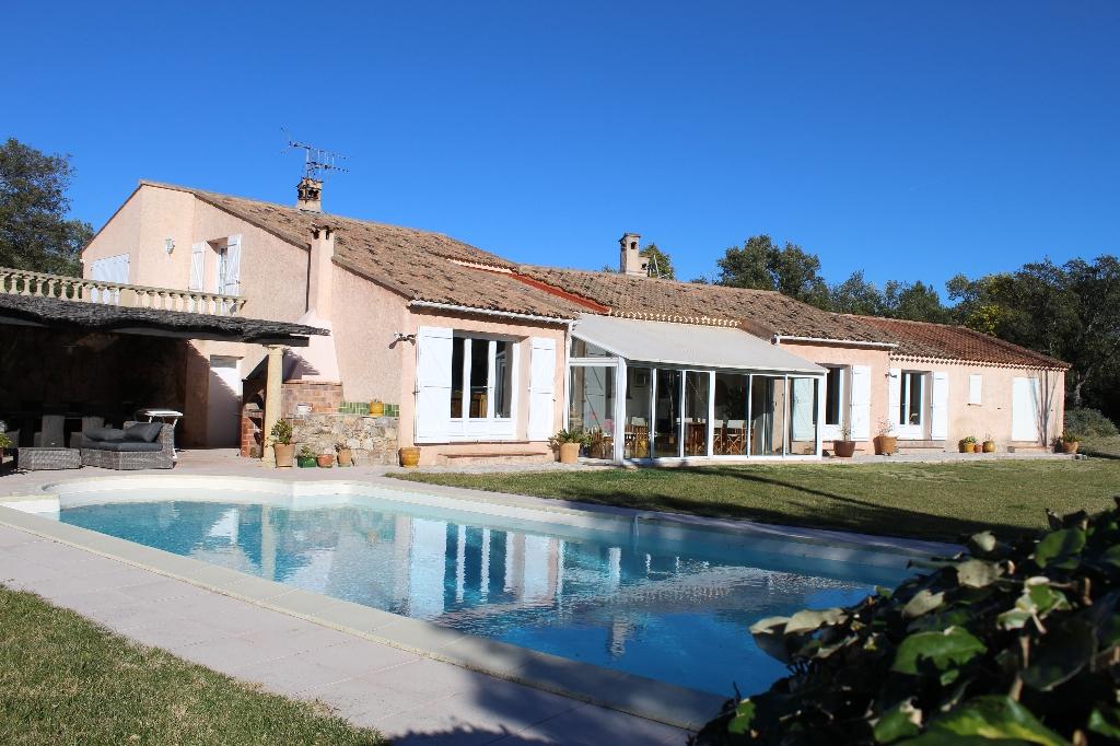 ROQUEBRUNE SUR ARGENS propriété  F7 290 m2  sur 8700 m2 terrain piscine  936000€ crn2081