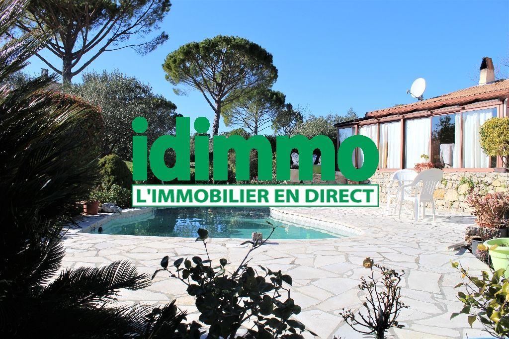 A voir Flayosc jolie villa F4 de plain-pied 107m² sur terrain plat de 1300m piscine 350700€ crn2082 commission vendeur