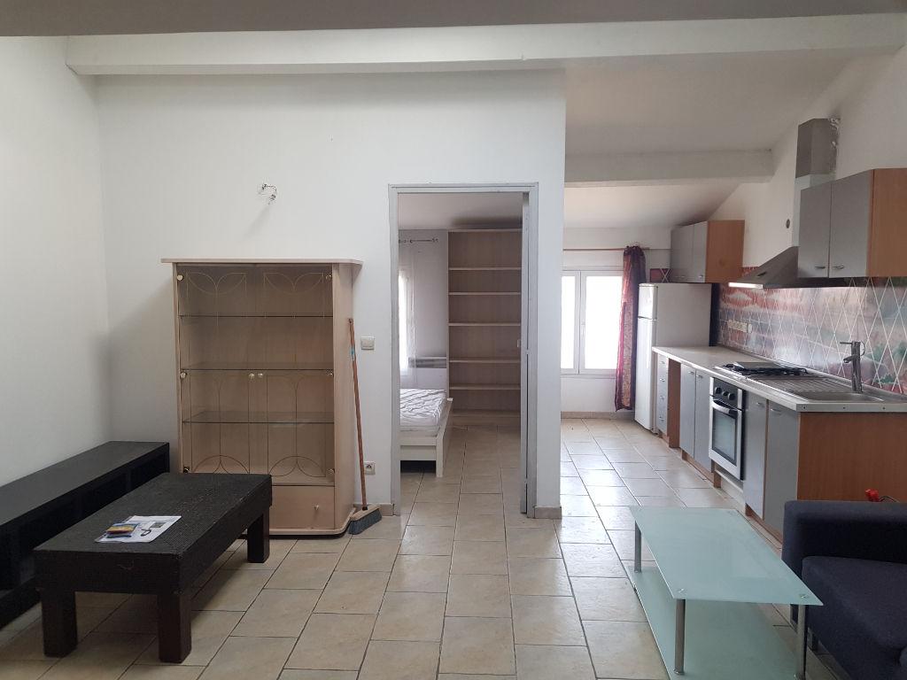 Exclusivité Vidauban centre joli F2 de 47m au dernier étage 89250€ crn2095