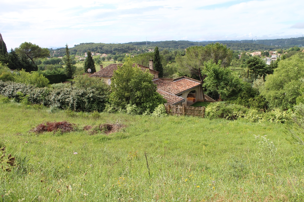 Draguignan magnifique terrain constructible plat 1200m 216000€ crn2107