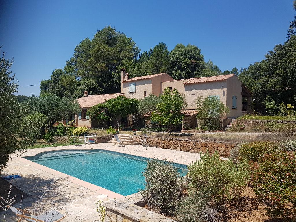 Salernes belle propriété F4 155m 6889m terrain piscine 3 terrasses gge atelier 451150€ crn2119