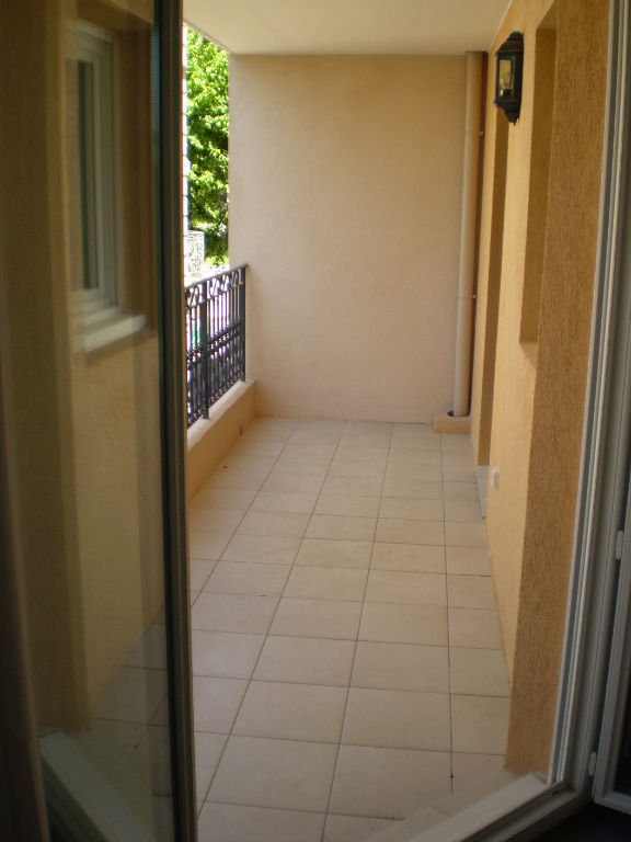Exclusivité Draguignan centre bel F3 79m avec terrasse et box loué actuellement 781€169600
